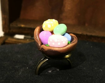 Ring with mini Easter baskets