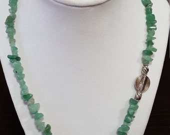 Aventurine Chip Necklace with Fish
