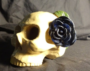 skull with blue rose