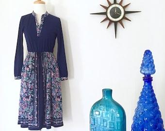 Japanese Vintage 1970s navy floral dress