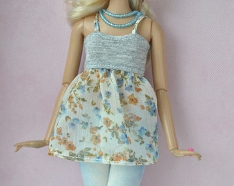 Handmade tunic and leggings for Barbie doll