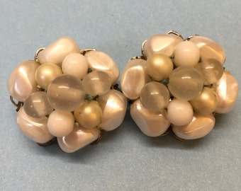 Vintage Faux Pearl Clear Beads Cluster Clip On Earrings on Silver Tone Metal, June Birthstone