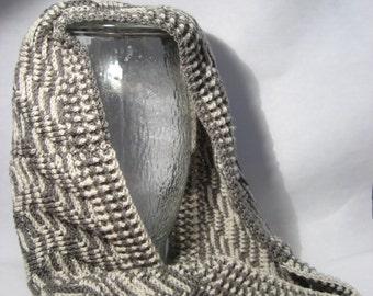 Hand crocheted infinity scarf (056-02W6)