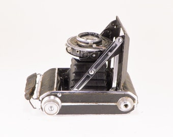 Welta Perle Chambers, Vintage Folding Pocket Camera, Made in Germany, 1930s, Compur Rapid, F. Deckel Munchen Lens, with Case, Great Shape