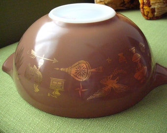 Early American Pyrex Mixing Bowl 4 Qt/Brown Bowl with Gold Design 444
