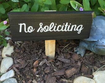 "Reclaimed wood ""No Solicitation"" garden sign - no soliciting yard sign - hand painted pallet sign - upcycled home decor - no solicitors sign"