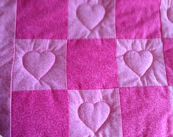 Pink hearts baby quilt