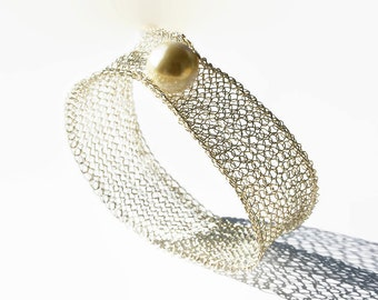 Silver wire crochet wide bangle bracelet with big pearl, elegant bracelet, gift for girlfriend, gift for her, jewelry gift, bridal bracelet