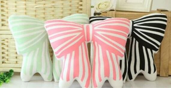 CHLOE Bow Cushion