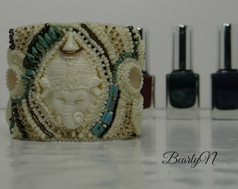 Embroidered cuff Ganesha