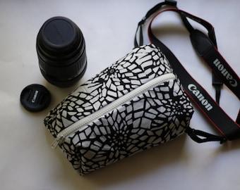 Digital slr Camera bag for Women Padded Travel neck case Black&White Canon Nikon Shoulder pouch insert Zip purse Handmade gift idea for her