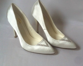 Wedding or prom satin pumps with swarovski crystals.