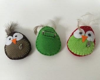 Cute birdie brooches