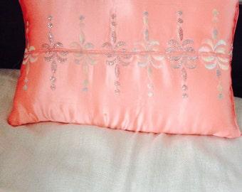"""Pink silk cushion cover. 10"""" x 15"""""""