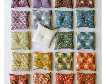 Cotton scented sachets, stuffed with dried organic Lavender.