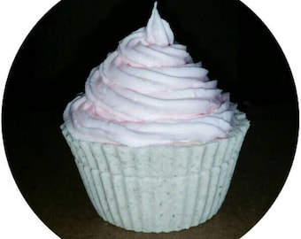 Cupcake bath Fizzy with whipped soap frosting!