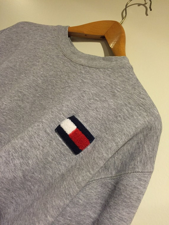 tommy hilfiger large logo sweater. Black Bedroom Furniture Sets. Home Design Ideas