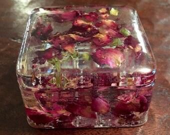 Pressed flower trinket box, rose petal jewelry box, natire gift, christian gift