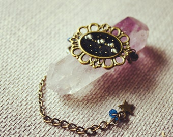 Zodiac. Bracelet with the Zodiac constellation and lapis lazuli nuggets.