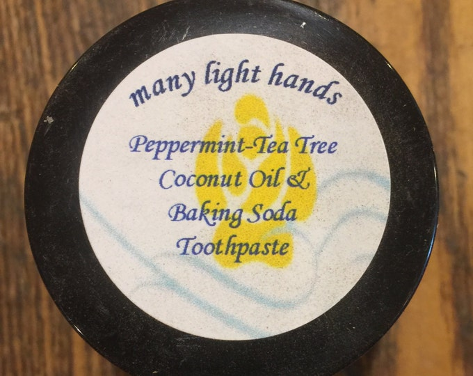 Coconut Oil, Baking Soda Peppermint and Tea Tree Oil Toothpaste