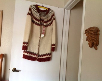 100% Virgin Wool Sweater / Coat ISLANDIC pattern