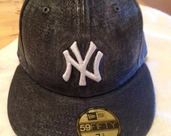 New Era New York Yankees Custom Fitted Hat Navy WAXED