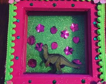 Pink & green dino box