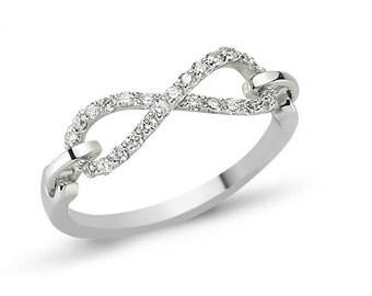 14 k white gold ring Diamond 0.84 CT
