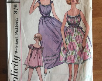 "1961 Vintage Simplicity 3948 -  Nightgown & Panties - size 16 (bust 36"")"