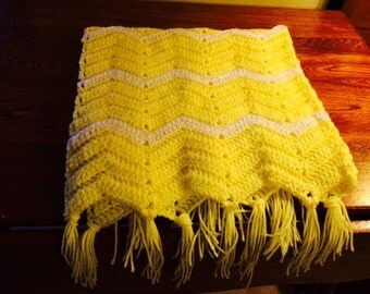 Chevron, zig zag, Yellow & white Baby blanket Wrap Lap robe