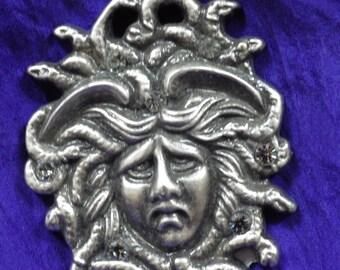 Medusa Pin