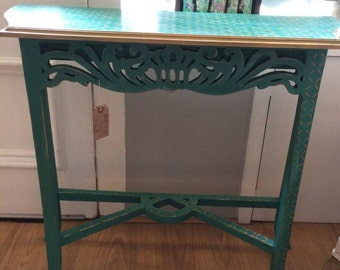 Beautiful Console Table, pick up or local delivery with fee only