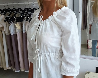White cotton tunic, white cotton blouse