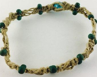 Hemp bracelet with wood beads