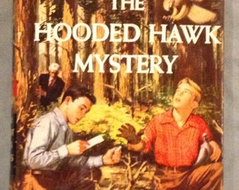 The Hardy Boys - The hooded Hawk Mystery by Franklin W. Dixon in Dust Jacket