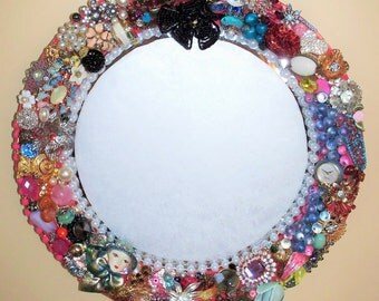 Round mirror be-jeweled in vintage/costume jewelry