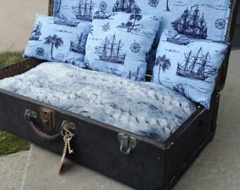 Vintage pet bed