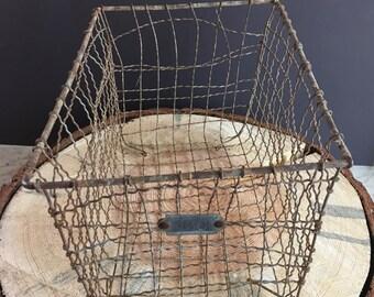 Vintage 1920/1930 wire locker basket. Original-not a reproduction!