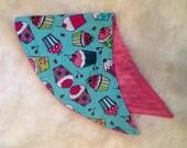 Baby Burp Cloth, Baby Girl, Cupcake Print, Baby Shower, Baby Shower Gift Ideas, New Baby Gift