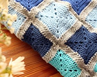 Baby blanket in blue