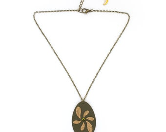 """Necklace leather flower """"Wind"""" Cork and hand made khaki"""