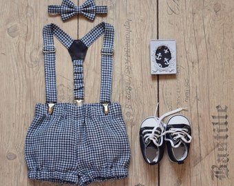 Cake smash outfit Baby boy 1st birthday outfit Navy blue white gingham linen bloomers suspender bow tie set Baby diaper cover Family photo