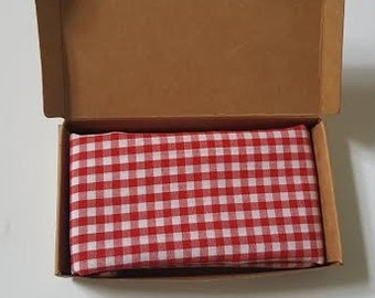 Pocket square - red checkered