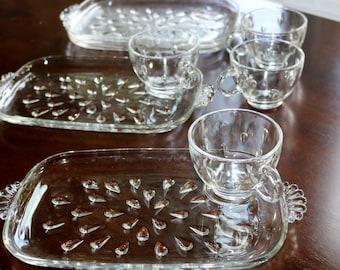Vintage Glass Snack Set Hazel Atlas Teardrop pattern - 4 plates and 4 cups