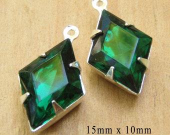 Emerald Green Vintage Glass Beads, Silver Plated Brass Settings, 15mm x 10mm, Diamond Shape, Glass Gems, Rhinestone, Cabochon, One Pair
