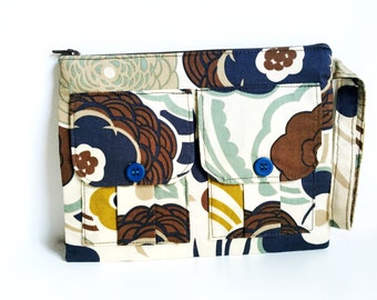Brown Floral Wristlet, Wallet Wristlet, Smartphone Wristlet Wallet for Women, Wristlet Purse