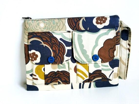 Floral Brown Zipper Wristlet, Wristlet Wallet, Cellphone Wristlet, Large Wristlet, Zipper Purse, Wristlet Gift