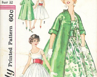Simplicity 2917 - VINTAGE 1960s Full Skirt DRESS & COAT  - Sewing Pattern - Size 12 - 32 Bust
