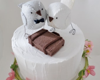 Wedding cake topper birds - Grey and white with suitcase