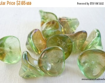 25% OFF Sale 12 Czech Glass Three Petal Flower Chrysolite Celsian  10x12mm (G - 479)